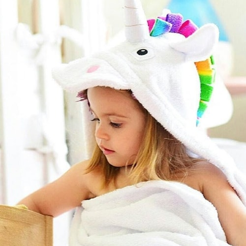 personalized hooded towel – unicorn